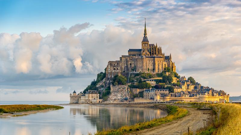 Lâu đài Mont Saint Michel - Pháp