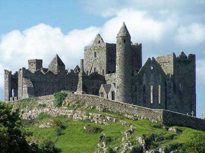 Lâu đài The Rock Of Cashel - Ireland